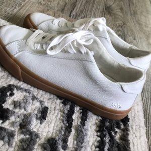 Madewell Sidewalk Low-Top Sneakers in Monochrome